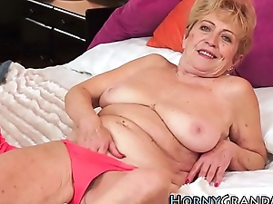 Wrinkly granny sprayed with cum