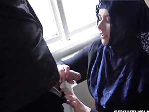 Rich muslim lady Nikky Fantasy wishes to into apartments in Prag